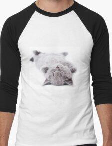 Funny gray fluffy kitten sleeps Men's Baseball ¾ T-Shirt