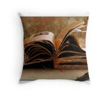 THE BOOK OF LIFE Throw Pillow