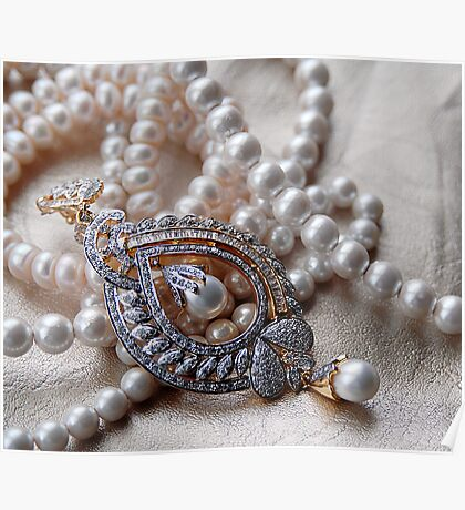 A PEARL NECKLACE Poster