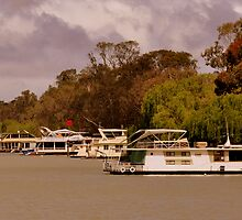 photoj S.A. Houseboats on the River Murray by photoj