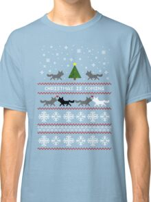 Christmas is coming Sweater + Card Classic T-Shirt