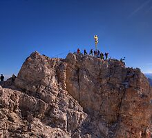 Zugspitze - crowded summit by Stefan Trenker