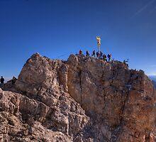 Zugspitze - crowded summit by Stefan Trenker