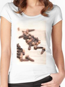 Cloves Women's Fitted Scoop T-Shirt