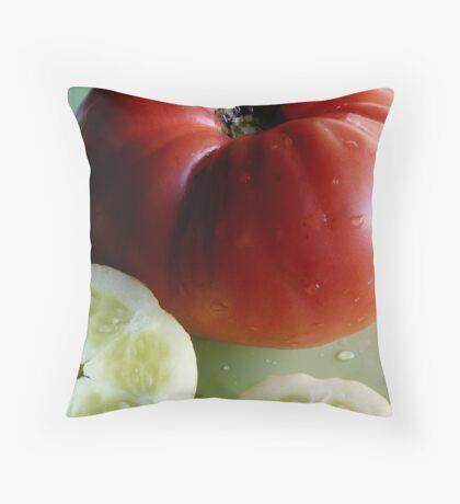 garden fresh Throw Pillow