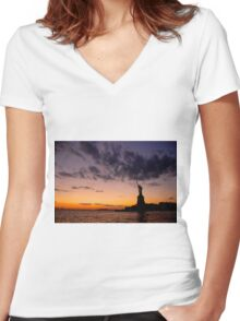 Lady Liberty Women's Fitted V-Neck T-Shirt