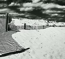 sand & sky by lastgasp