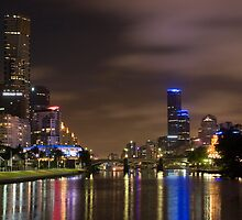 Looking west along the Yarra River by parischris