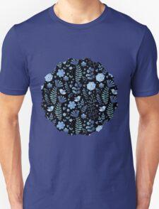 Vintage floral pattern on a black background Unisex T-Shirt
