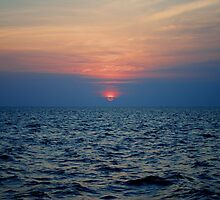 A Sound Sunset by leslie wood