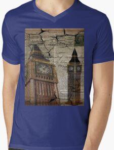 retro newspaper print vintage london landscape big ben Mens V-Neck T-Shirt