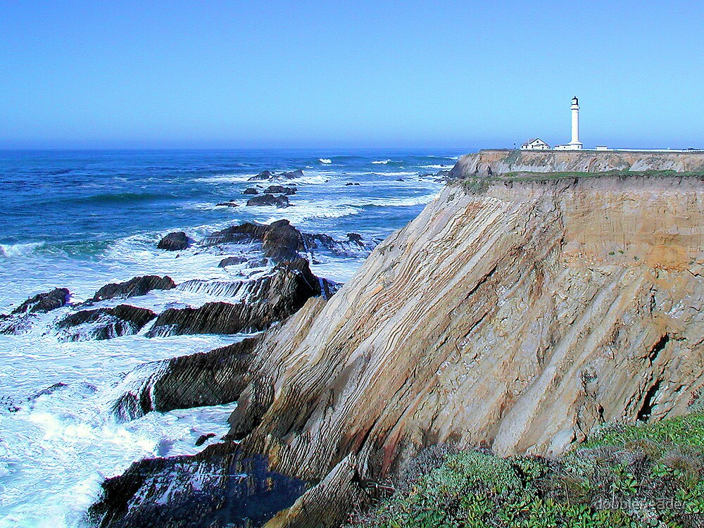 Point Arena Lighthouse by doubleheader