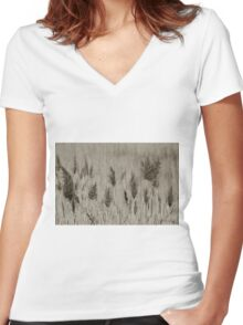 Wind Women's Fitted V-Neck T-Shirt