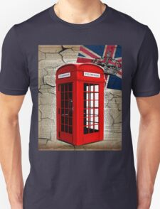 rustic grunge union jack retro london telephone booth Unisex T-Shirt