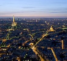 France - Paris 75014 - By night by Thierry Beauvir