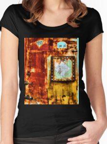 Smokin Women's Fitted Scoop T-Shirt