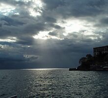 The first ray of sun after the storm by presbi