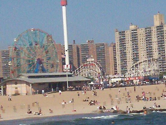 Beach @ Coney Island by Felicia722