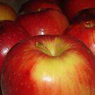 Apples by debbiedoda
