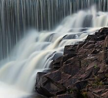 Waterfall in a waterfall by sautio