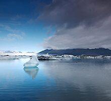 Lake of ice by Faruk Pinjo