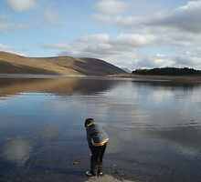 Looking for Lochness Monster by Lesley Ritchie
