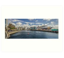 Queen Mary 2 Panorama Art Print
