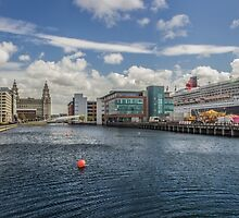 Queen Mary 2 Panorama by Paul Madden