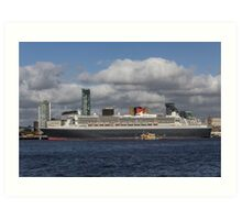 Queen Mary 2 and Dazzle Ferry Art Print