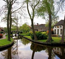 The Waterways of Giethoorn by AnnieSnel