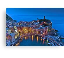 Light reflections in Vernazza  Canvas Print