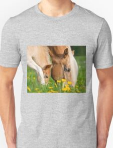 Common dinner, foal with mom Unisex T-Shirt