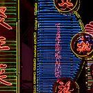 Chine 中国 - Suzhou 苏州 - By night by Thierry Beauvir