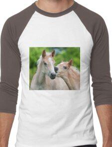 Cuddling Haflinger foals Men's Baseball ¾ T-Shirt
