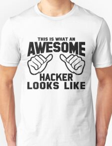 This is What an AWESOME HACKER Looks Like Retro T-Shirt