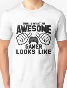 This is What an AWESOME GAMER Looks Like Retro T-Shirt