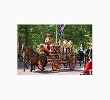 Horse drawn Carriage on its way to the State Opening Of Parliament London Unisex T-Shirt