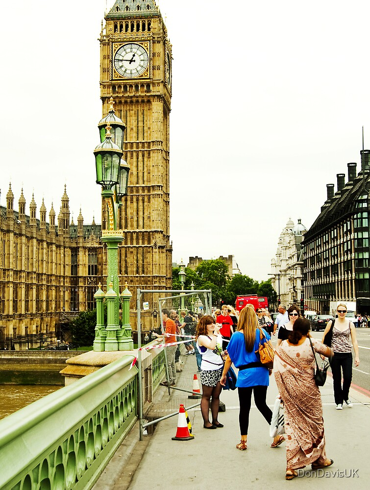 Smile Please: Tourists and Big Ben by DonDavisUK
