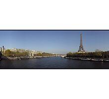 Eiffel et le Seine by Patrick T. Power