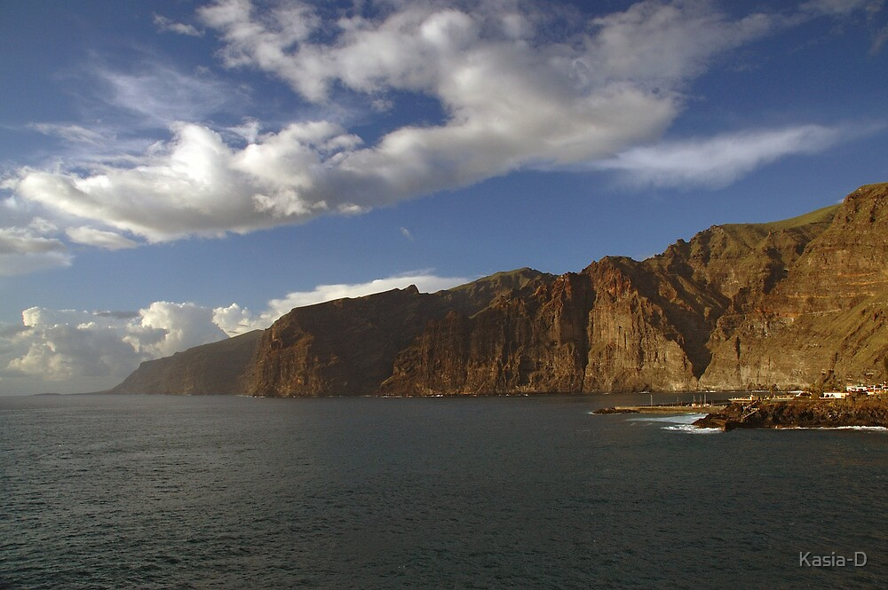 Los Gigantes Unveiled by Kasia-D