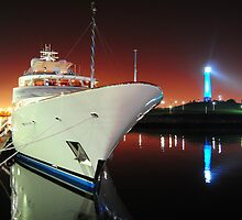 Long Beach Marina at Night by Tom-Sky