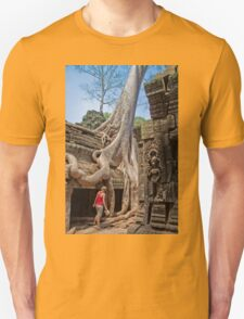 Cambodia. Angkor Thom. Giant Tree embracing Temple. T-Shirt