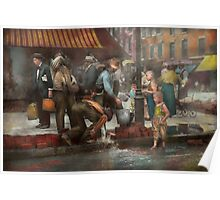 City - NY - Drinking water from a street pump 1910 Poster