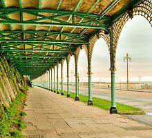 Brighton Esplanade by DonDavisUK