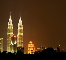 Petronas Twin Towers by Charuhas  Images