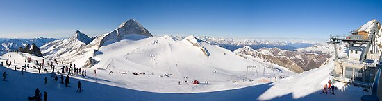 Tux Ski Area by Walter Quirtmair