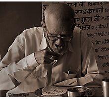 OLDMAN EATING FOOD Photographic Print