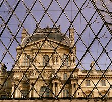 The Louvre from the inside by bubblehex08