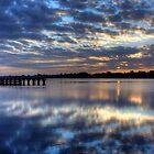 Sunrise in Lake Entrance by Wendy  Meder