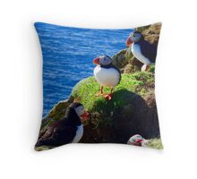 Puffin cliff Throw Pillow